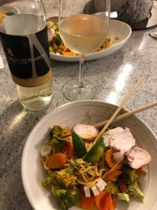 Mastronardi Estate Winery 2017 Viognier VQA with Chicken Red Curry Noodle Bowl - Essex County Wineries & Breweries Who's in? 🙋‍♀️🙋‍♂️ Not just for Wine Wednesday! Mastronardi's Viognier has a bff with this red curry noodle bowl! Gluten Free Ramen, Curry Noodles, Red Curry Paste, Essex County, Roasted Nuts, Curry Sauce, Wine Wednesday, Broccoli Florets, Noodle Bowls