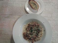 "My ""WFSB & GB"" (World Famous Spaghetti Bolognaise & Garlic Bread)"