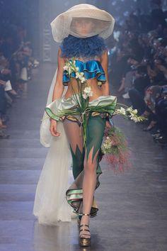 Vivienne Westwood   Spring 2016   Look 54