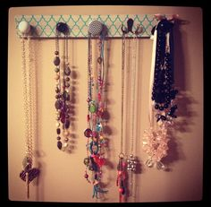 diy necklace, necklace holder, necklac holder