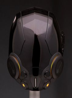 Tron-Legacy-Black-Guard-01-e1349825471399.jpg 618×846 pixels