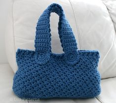 Crochet bag pattern, crochet handbag pattern vintage retro denim bag pattern, market tote handbag pattern by Luz Patterns #crochetbag #crochetpattern