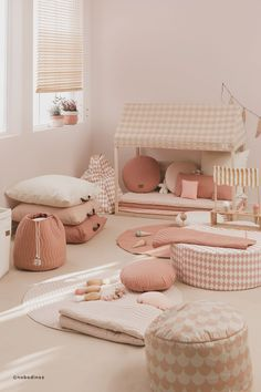37 Fabulous Children Bedroom Decoration Ideas That Look More Enjoyable - Whether you are decorating a nursery for your very first child or overhauling the nursery for your growing toddler or creating a big kids room for you. Baby Playroom, Playroom Decor, Childrens Bedroom Furniture, Kids Furniture, Trendy Furniture, Furniture Dolly, Furniture Outlet, Discount Furniture, Baby Bedroom