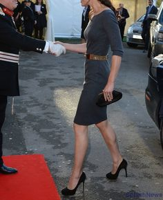 Kate Middleton: Amanda Wakeley dress, Alexander McQueen belt, Jimmy Choo shoes