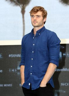 Alex Roe is Evan Walker in The 5th Wave