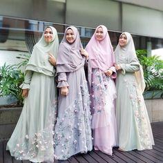 Image may contain: 4 people Muslimah Wedding Dress, Hijab Style Dress, Abaya Style, Abaya Fashion, Modest Fashion, Fashion Outfits, Dress Outfits, Dresses, Kebaya Muslim