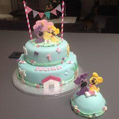Taarten van Marion | Woezel en Pip taart met meptaartje 1st Birthday Themes, Happy Birthday Me, Girl Birthday, Birthday Cake, Farm Cake, Cupcakes, Cookie Cups, Puppy Party, Cake Tutorial