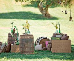 petit salon vignoble mariage barils de vin