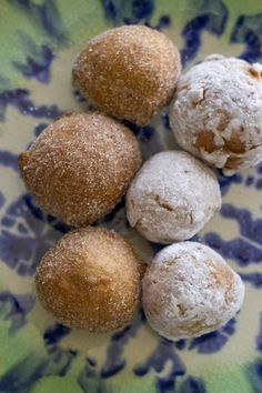 gluten-free-puff-doughnuts