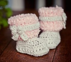 crochet faux fur boots crochet pattern baby booties monpetitviolon