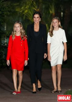 King Felipe VI, Queen Letizia, Princess Leonor and Infanta Sofia of Spain attended the Princess of Girona. Princess Letizia, Princess Sofia, Queen Letizia, Princess Victoria, Tween Fashion, Royal Fashion, Fashion Outfits, Cute Girl Dresses, Cute Outfits