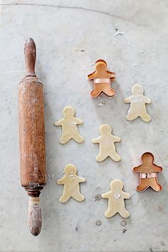 ... vintage french rolling pin ...