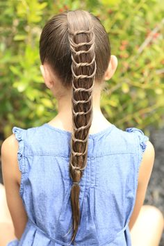 The Knotted Ponytail and more Hairstyles from CuteGirlsHairstyles.com... AMAZING! #cutegirlshairstyles #CGHKnottedPonytail #ponytail #hairstyles #hairstyle