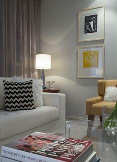 Um mix que deu certo. Veja: http://casadevalentina.com.br/projetos/detalhes/um-mix-que-deu-certo-588 #decor #decoracao #interior #design #casa #home #house #idea #ideia #detalhes #details #style #estilo #casadevalentina #livingroom #saladeestar