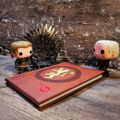Vi glæder os til Game of Thrones starter igen! Hvad med jer?  #hbo #gameofthrones @originalfunko #funko #funkopop #funkoaddict #funkoverse #figure #funkolover #funkodaily #funkoinc @popvinyl #vinyl #funkofunatic #popvinyl #collection #Geekd #geekddk #merchandise #collectibles #geeky #geek