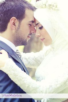 This collection of 200 Most Romantic Muslim Couples Islamic Wedding Pictures will amaze you with how romantic the bride and groom can look for their Islamic wedding. Cute Muslim Couples, Romantic Couples, Wedding Couples, Cute Couples, Romantic Mood, Married Couples, Romantic Poetry, Marriage Pictures, Wedding Pictures
