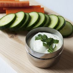 Lemon Garlic Yogurt Dip | healthy dip | siggi's