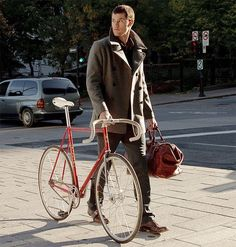 hello. this man can walk.... or bike... into my life right now. thanks :)