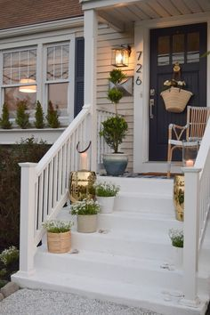 Front entry decor front door entry ideas outdoor front entryway ideas small porch medium size of patio screened in outdoor front entry christmas decorating Front Porch Steps, Farmhouse Front Porches, Small Front Porches, Front Porch Design, Front Porch Railings, Porch With Steps, Front Porch Lights, Diy Front Porch Ideas, Fromt Porch Ideas