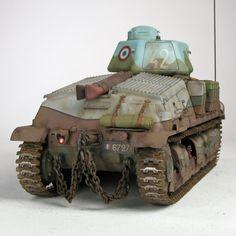 WW2 French cavalry tank Somua S35, TAMIYA 1/35 scale. By Tom Morgan. #scale_model