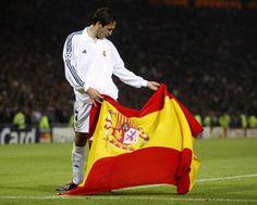 Olé. Equipe Real Madrid, World Football, Longchamp, Tote Bag, Bags, Style Ideas, Grande, Movies, Sergio Ramos
