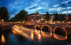 "Electric keizersgracht - Follow me on <a href=""https://www.facebook.com/https://500px.com/photo/184013353/the-fall-by-thrasivoulos-panouThrasivoulosPanou"">Facebook </a> / <a href=""https://www.thrasivoulos.gr"">Website </a> /  <a href=""https://instagram.com/thrasivoulosp/"">Instagram</a>"