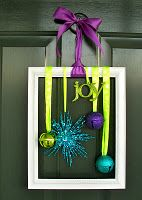 Christmas decor for front door.  I would do it with different colors but I like it