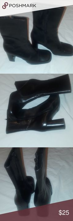 AEROSCLES LEATHER MID CALVES BOOTS SIZE 7 This cute boots in excellent condition perfect with skinny jeans are MINI SKIRT just fabulous with any outfits. AEROSCLES Shoes Ankle Boots & Booties