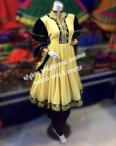 Traditional Fashion, Traditional Outfits, Afghani Clothes, Afghan Dresses, Kids Frocks, Designs For Dresses, Types Of Dresses, Hijab Outfit, Vintage Wear