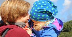 Anna liebt das Reisen. Doch noch mehr liebt sie ihre bunte und chaotische Familie. Der Arm, Anna, Top, Mom And Dad, Viajes, Kids