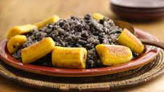 Enjoy this delicious Cuban-style dish made using rice and beans; served with plantains - a perfect side dish.