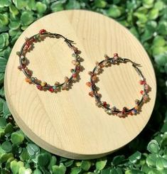Argollas con cristal – Artesanías Guasábara Beaded Necklace, Wreaths, Jewelry, Decor, Products, Stainless Steel, Jewellery Making, Dekoration, Decoration