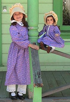 pioneer dolls and clothes