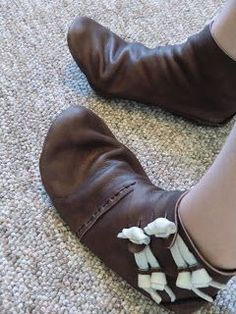 tutorial on making a pattern for your own medieval shoes using a duct tape sock mock up