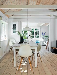 This Tiny Little Danish House is the Perfect Summer Getaway Danish House, Gravity Home, Cabin Interiors, Scandinavian Home, Minimalist Decor, House In The Woods, Log Homes, My Dream Home, Living Spaces