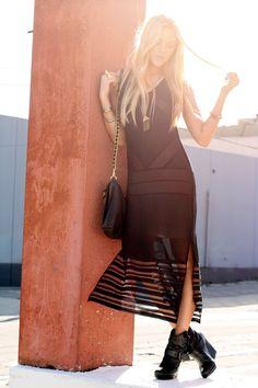 Sick black dress. Obsessed.