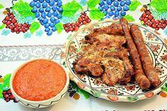 Sos de ardei copti cu usturoi Tandoori Chicken, Chicken Wings, Pork, Meat, Cooking, Ethnic Recipes, Crafts, Kale Stir Fry, Kitchen