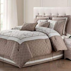 Classic comforter set. Nice neutral color. #bedding #ad #bedroom #homedecor