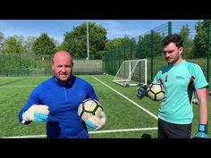 Another great tutorial video from professional goalkeeper coach Dean Neil of the Goalkeeping Academy . Attention to detail on this tutorial is unbeliev. Soccer Tips, Soccer Sports, Nike Soccer, Soccer Cleats, Soccer Coaching, Soccer Training, Barcelona Soccer, Fc Barcelona, Cristiano Ronaldo Lionel Messi