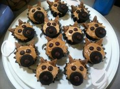 German Shepherd Cupcakes ~ these are so great! Good Food, Yummy Food, Donut Decorations, Birthday Cupcakes, 7th Birthday, Unique Recipes, Something Sweet, Baking Recipes, Baking Ideas