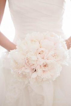 Ritz-Carlton-Laguna-Niguel_Brandon-Wong-Photography040512_0017 white wedding bouquets