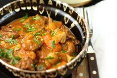 Tocanita de vita cu ciuperci Deli Food, Things I Want, Curry, Ethnic Recipes, Celery, Curries