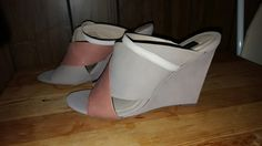Steven Taupe Peach Wedge