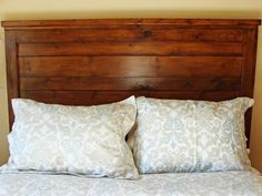 Main How To Build A Rustic Wood Headboard How Tos Diy Ana White Reclaimed Wood Headboard Queen Size Build A Murphy Bed, Murphy Bed Plans, Homemade Headboards, Headboards For Beds, Wooden Headboards, Diy Home Decor Rustic, Diy Home Decor Bedroom, Modern Bedroom, Natural Bedroom