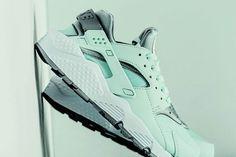 Nike Air Huarache Run (Igloo) – Sneaker Freaker