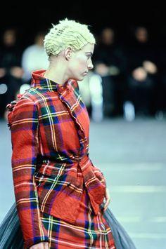 Comme des Garçons Fall 2000 Ready-to-Wear Accessories Photos - Vogue