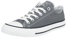 - Low-Cut Silhouette - Gummierte Zehenkappe - Vulkanisierte Wrap Cup Gummiaußensohle - Verbundenes Latex-/ EVA-Fußbett - Metallene Schnürsenkelösen - Fersenstabilisator - Converse All Star und Chuck Taylor-Logo an der Außensohle und an der Zunge  Wenn man ein Sneakerfan ist, kommt man um diesen Schuh eigentlich kaum rum: der Converse Chuck Taylor All Star Core OX. Der graue Converse Sneaker ist seinem großen Bruder, dem klassischen, hohen Chuck, sehr nahe. Dass es ein Converse ist, sieht...