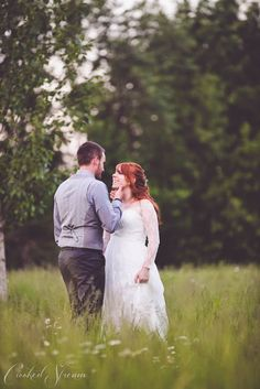 Barn wedding close to Salem Oregon. Green Villa Barn & Gardens