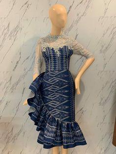 Blouse Batik, Batik Dress, Silk Dress, Thai Fashion, Women's Fashion, Dress Outfits, Fashion Dresses, Dress Pesta, African Wear