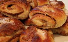 Piparipulla -jouluherkku mummolasta - Juhlahumua.fi -verkkokauppa Doughnut, Bread, Desserts, Christmas, Food, Diy, Tailgate Desserts, Xmas, Deserts